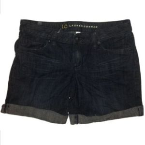 Womens Shorts Cuffed Dark Denim Wash Size 6 Inseam